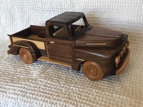 wooden truck replicas - scaled model